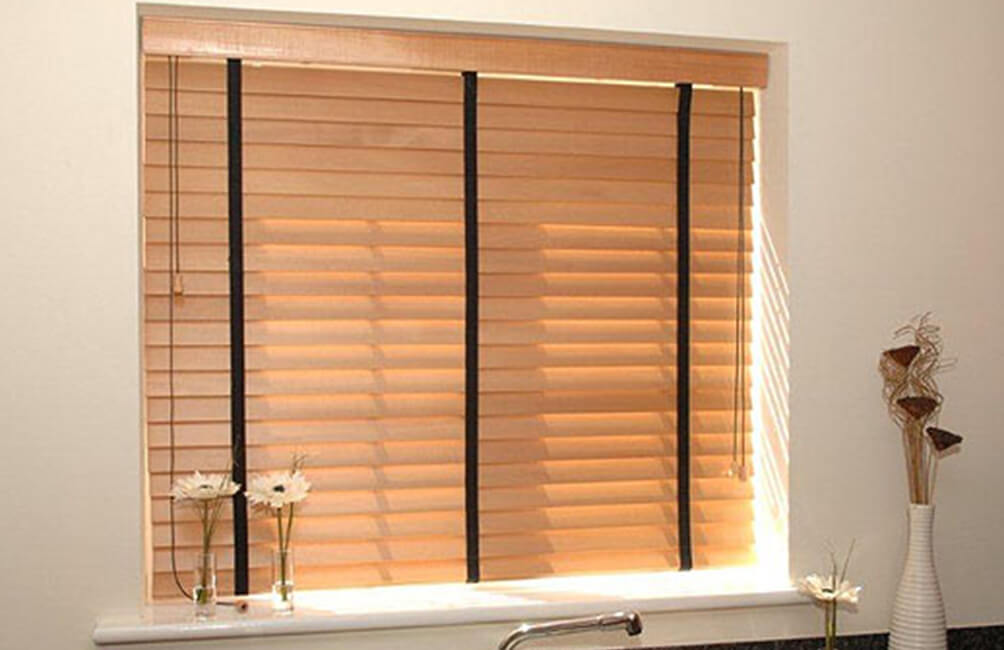 Wood Stat Venetian Blinds 1